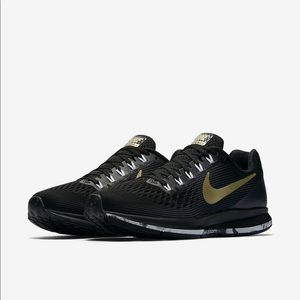 Black and Gold Size 10.5 Nike Pegasus Zoom 34